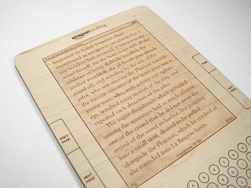 Drewniany Kindle 4